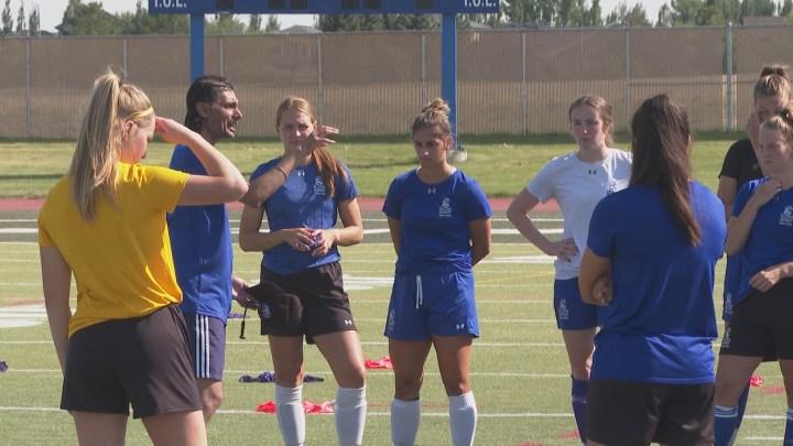 Pronghorns women's soccer team returns to the pitch under new head coach -  Lethbridge   Globalnews.ca