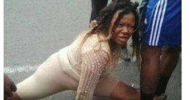 Beautiful Lady Runs Mad As She Came Out From Prado SUV (Photos)
