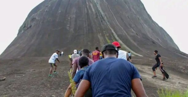 BREAKING: A Hikers Dies After Falling From Mountain In Abuja