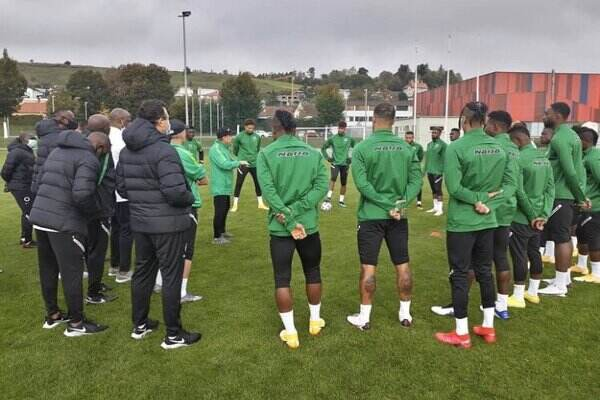 Akpoguma, Dessers welcome to Super Eagles team as they begin training ahead of Algeria and Tunisia match