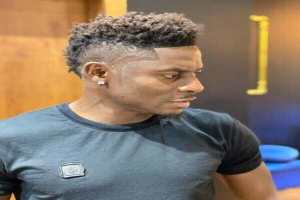 I don't appreciate our names being disgraced like this - Obafemi Martins warns Burna Boy
