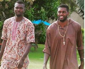 Emmanuel Adebayor (r) with his brother Rotimi