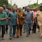(Photonews) Governor Ikpeazu tours Aba roads under construction