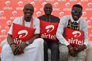 (L-R): Airtel Brand Ambassador, IK Osakioduwa; Managing Director and Chief Executive Officer, Airtel Nigeria, Mr. Segun Ogunsanya with Brand Ambassador, Bowoto Jephta a.k.a Akpororo at Banana Island Cultural Festival held on Saturday in Lagos.