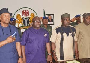 (R-L): Governor Ifeanyi Ugwuanyi of Enugu State; Governor Rochas Okorocha of Imo State;Governor Okezie Ikpeazu of Abia State; deputy governor of Anambra State, Nkem Okeke during South-East Governors Forum in Government House, Enugu. Photo: Government House, Enugu.