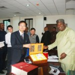 (Photonews) Gov. Ugwuanyi receives CCECC Management delegation in Enugu