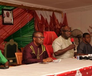 Abia state Governor, Dr. Okezie Ikpeazu (middle) during a media parley with journalists in Umuahia. With him from L-R are Ugochukwu Emezuo SSA Media, Godwin Adindu Chief Press Secretary to the Governor, Bonny Iwuoha State commissioner for information and Eme Okoro SSG.     Photo Ibeabuchi  Abarikwu