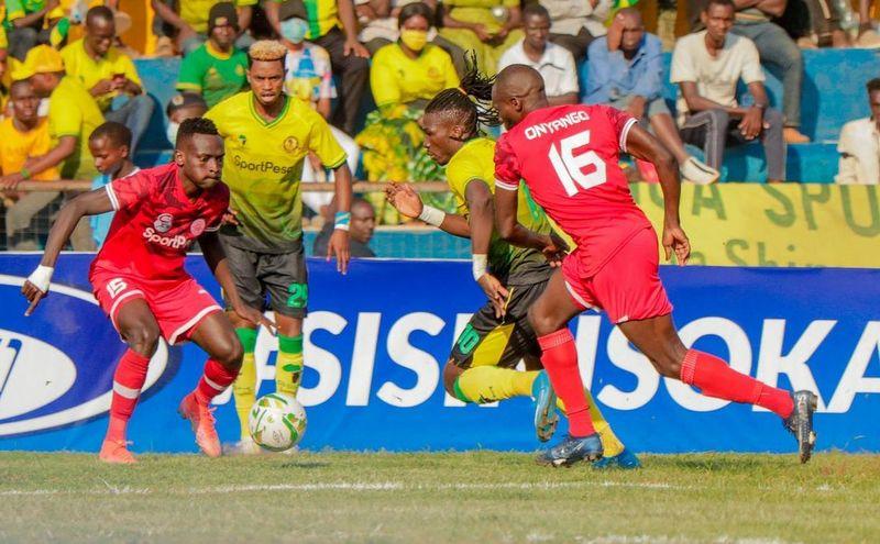 Mwamuzi Simba vs Yanga pasua kichwa-Michezoni leo
