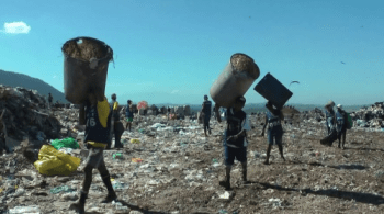 """An image from the documentary """"Catador"""" about the closure of the Gericinó dumpsite in Rio de Janeiro."""