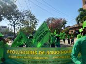 Recicladores en Barranquilla, Colombia, por el día de los recicladores 2021.