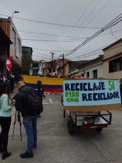 Recicladores en Pereira, Colombia, por el día de los recicladores 2021.