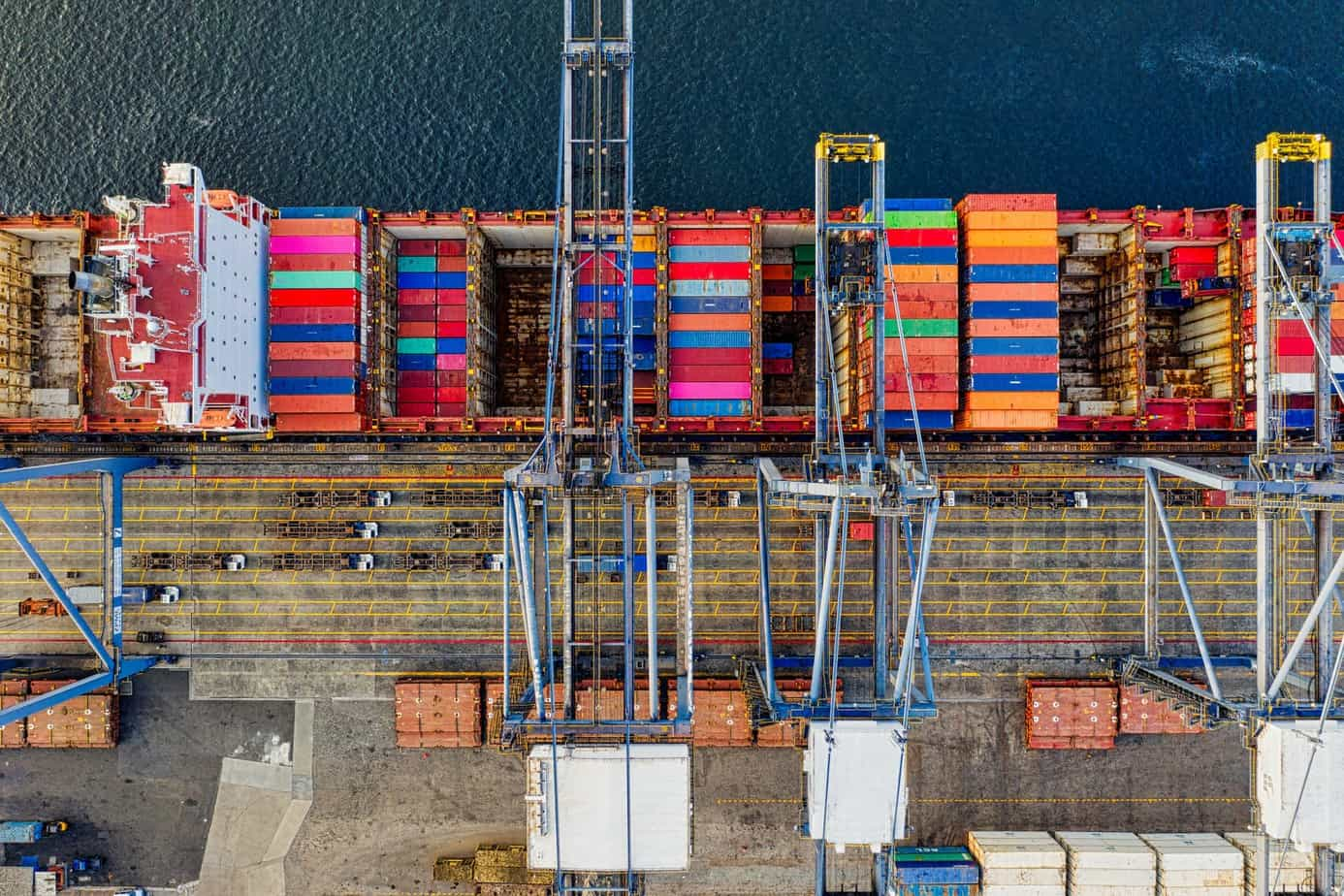 top view photography of cargo ship with intermodal containers