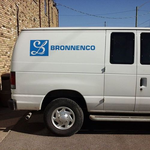 Vinyl logo & letters on E250 Ford van