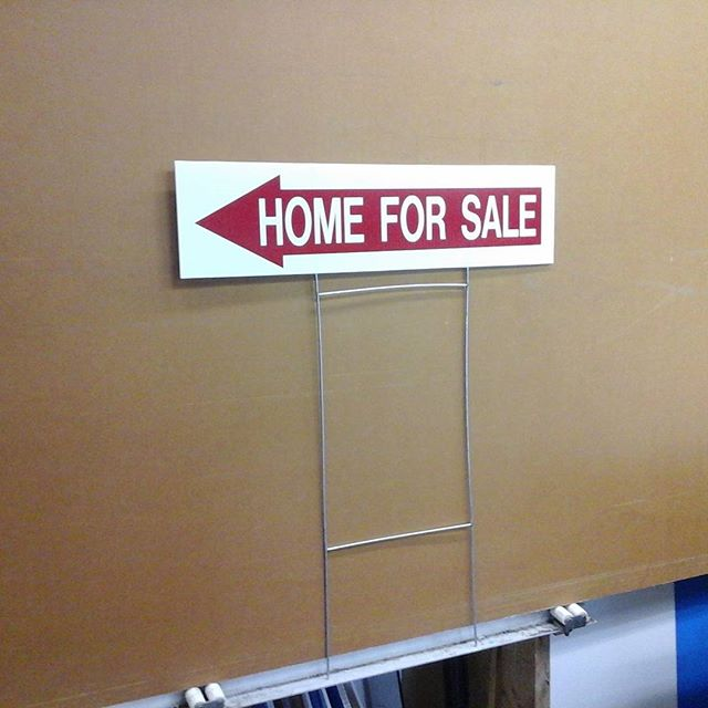 Real estate lawn sign with H-wire