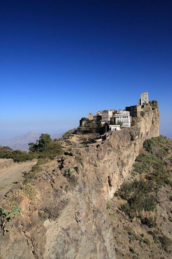 Kahil, Haraz Mountains, Yemen. Photo by yeowatzup.