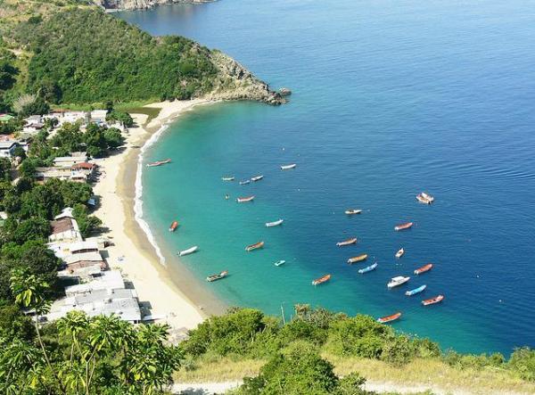 Beach of the west of Vargas State, Venezuela. Photo by Guillermo Gonzalez P.
