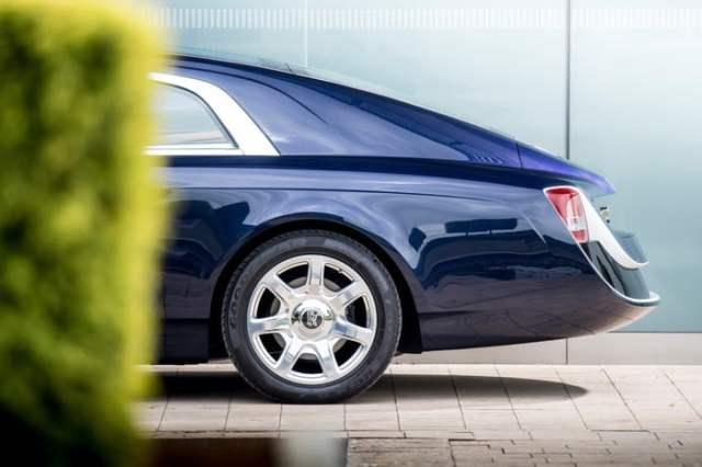 Rolls-Royce-Sweptail Back