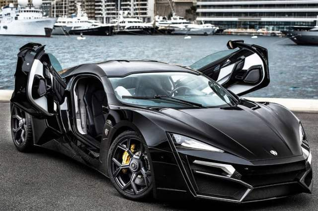 W MOTORS LYKAN HYPERSPORT Doors