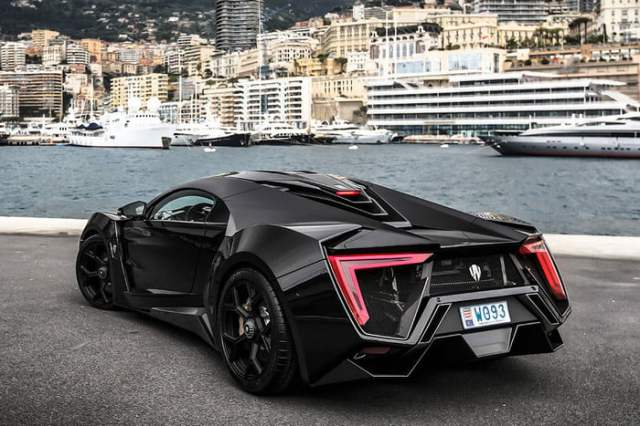 W MOTORS LYKAN HYPERSPORT Back Side