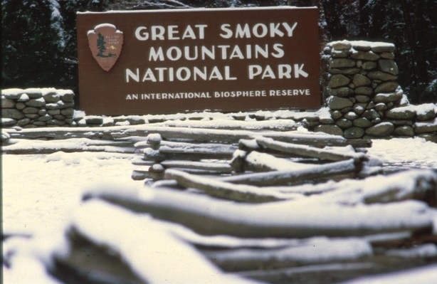 great_smoky_mountains_sign