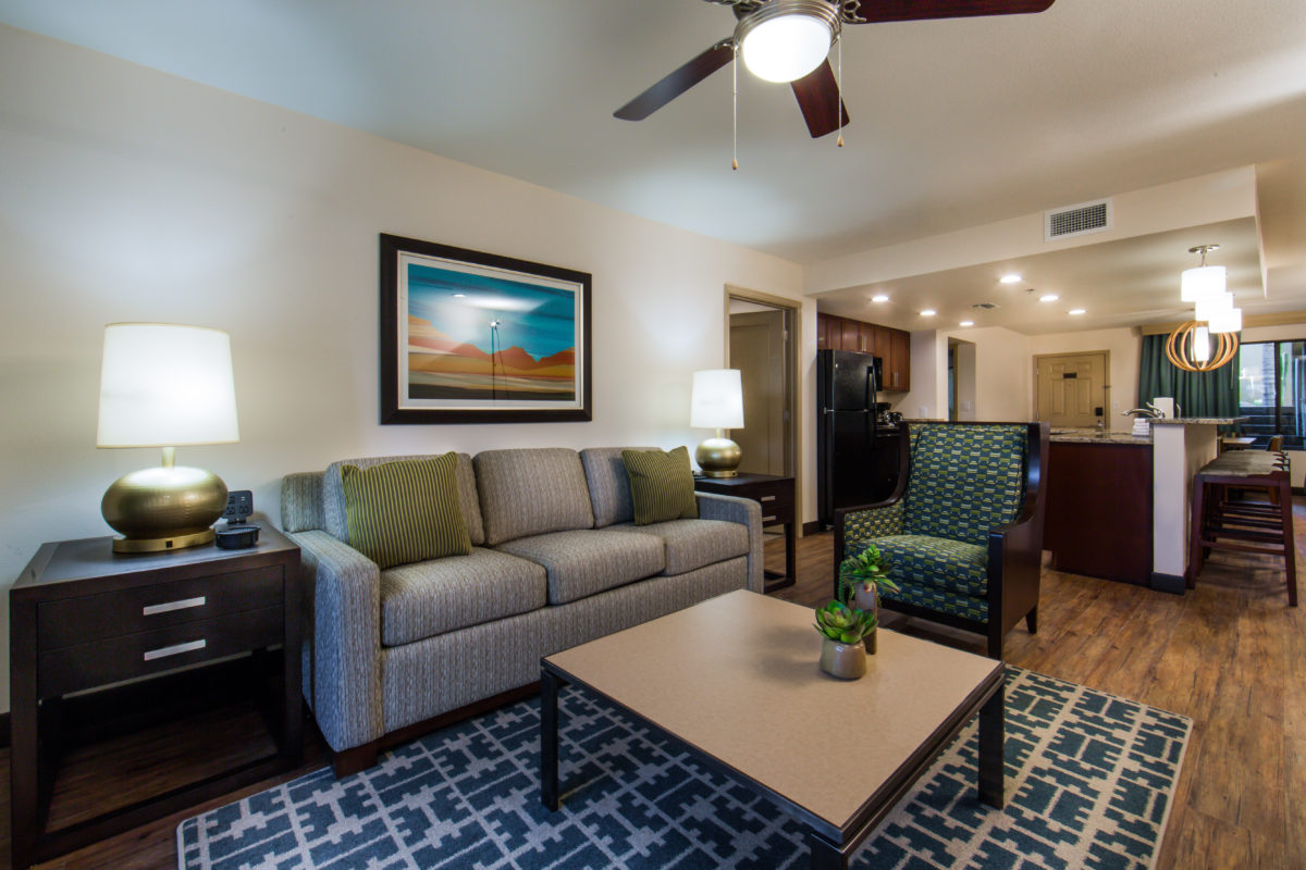 Scottsdale Resort Enjoy A Separate Living Room With