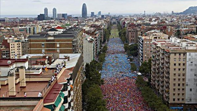 Picture of the last pro-referendum demonstration in Barcelona, Catalonia, on September 11, 2015. Image from Twitter.