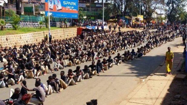 Des étudiants à Nekemte, une ville de l'ouest de l'Ethiopie, en deuil pour les personnes tuées à Chelenko, photo utilisée avec permission