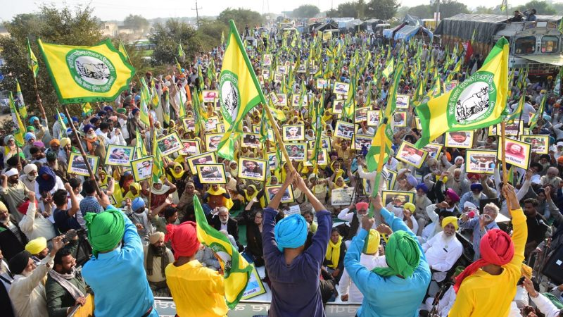 Indian farmers protest in December 2020. Image via Wikimedia Commons by Randeep Maddoke.