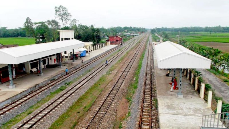 This unique Khanabari station near Narshingdi is renowned for hosting street music shows every evening. Image by Md. Kamruzzaman Sohel via Bangladesh Railway Fan Group. Used with permission.