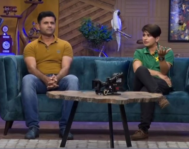 Screenshot from the interview of Abdul Razzaq and Nida Dar from the YouTube version of the G Sarkar with Nauman Ijaz show.
