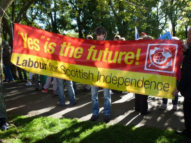 Labour for Scottish Independence; photo by Màrtainn MacDhòmhnaill, used under a CC BY-NC 2.0 license.