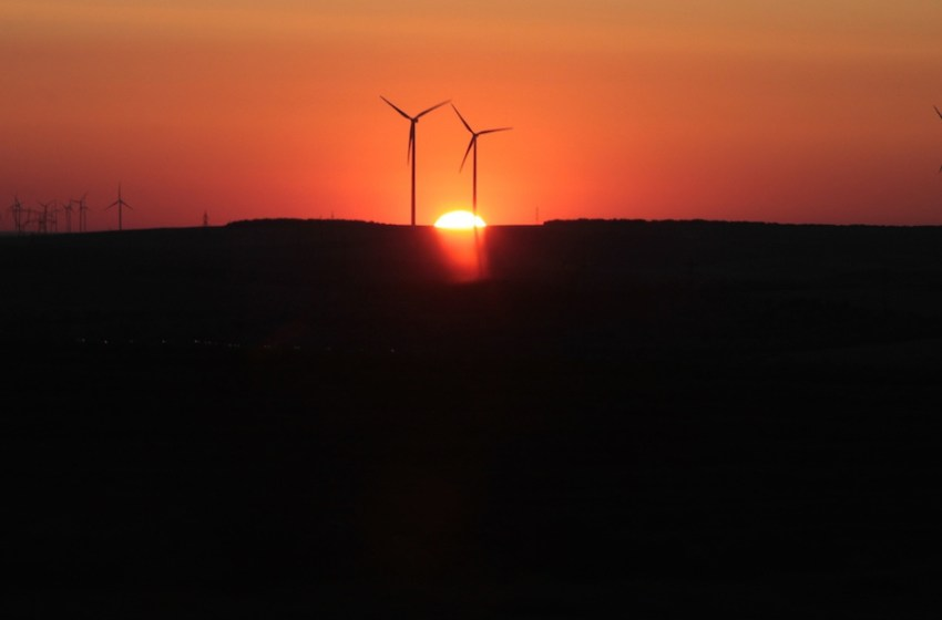 Renewable Energy Provides More Than 40 Percent of New Generating Capacity
