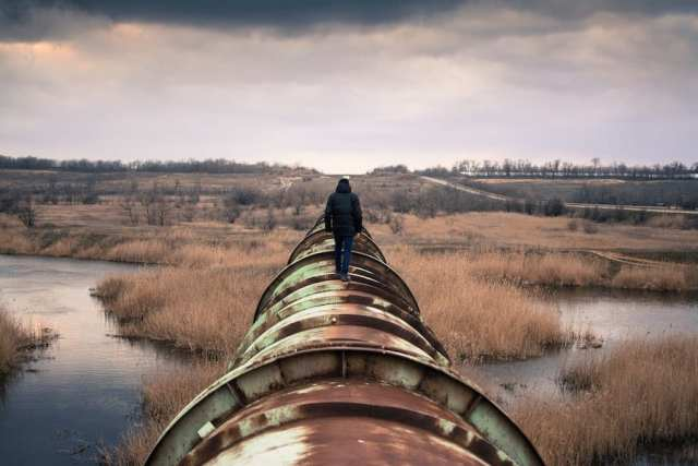 Trump fast tracks unnecessary fossil fuel pipelines