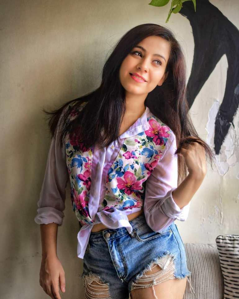 Ruby Bharaj Looks Beautiful in Floral Shirt