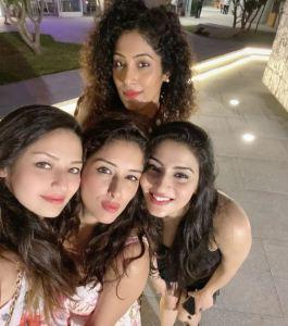 Sameksha Singh Friends