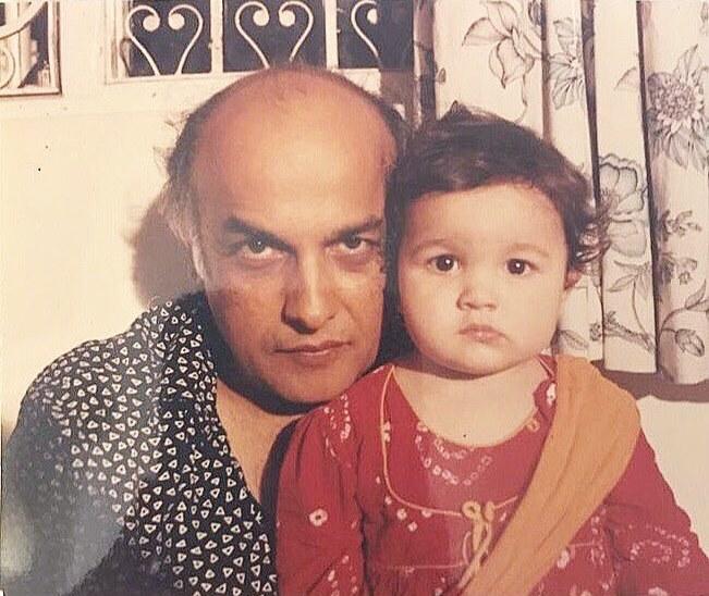 Childhood Photo of Alia Bhatt with Her Dad