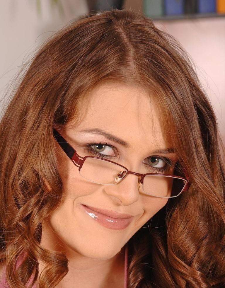 Rebecca Contrares