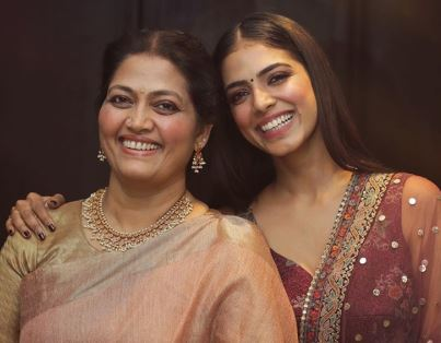 Malavika Mohanan With Her Mother