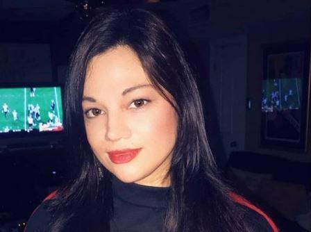 Mona Azar