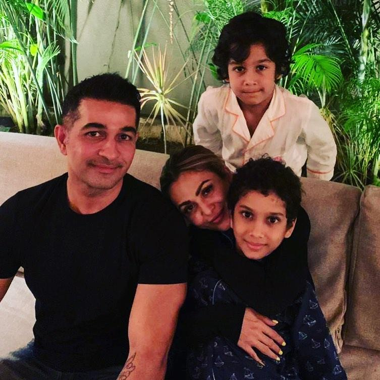 Amrita Arora and Her Complete Family (Family Pic)