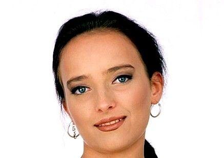 Silvia Bella (Sylvia Young)