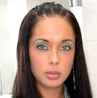 Anaya Leon