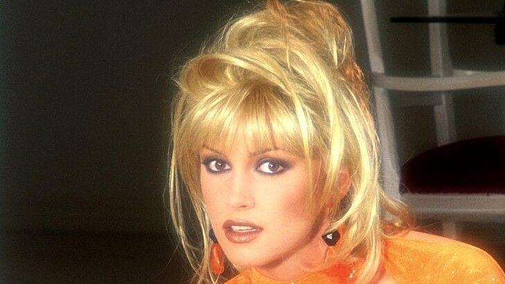 Joey McKenzie (Nicole Marciano)
