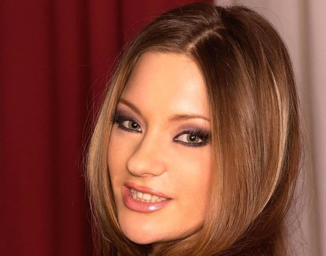Alice Page (Ekaterina Morozova)