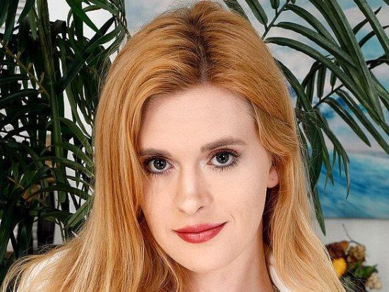 Lindsay Lee
