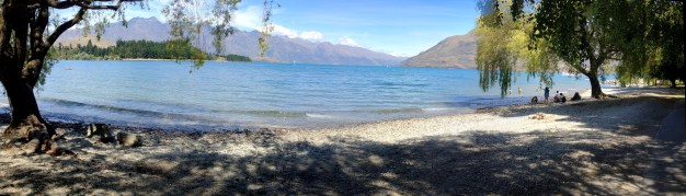 Walking Lake Wakatipu