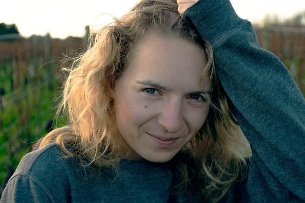 Anne Hadt, diplomée en architecture dessin free-lance. Experte Autocad, Archicad et Photoshop