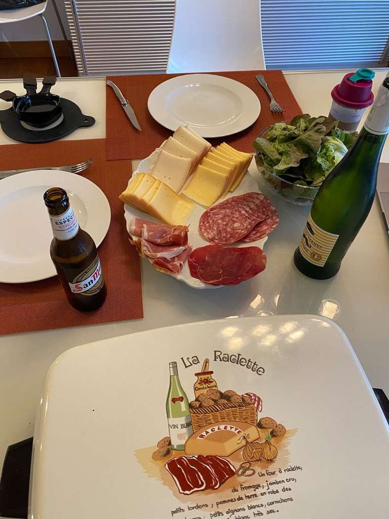 La raclette : lot de consolation du retour de voyage anticipé