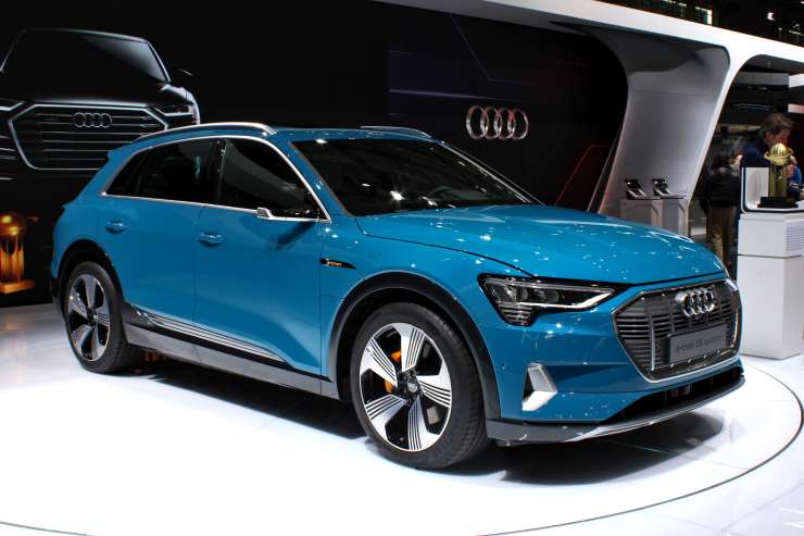 The Audi e-tron concept vehicle on display at the Paris Motor Show on October 2, 2018. (Image Credit: Alexandr Migl/Wikimedia Commons)