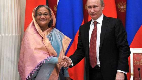 Russian President Vladimir Putin shakes hands with Bangladeshi Prime Minister Sheikh Hasina in Moscow on January 15, 2013. (Image Credit: Kremlin)